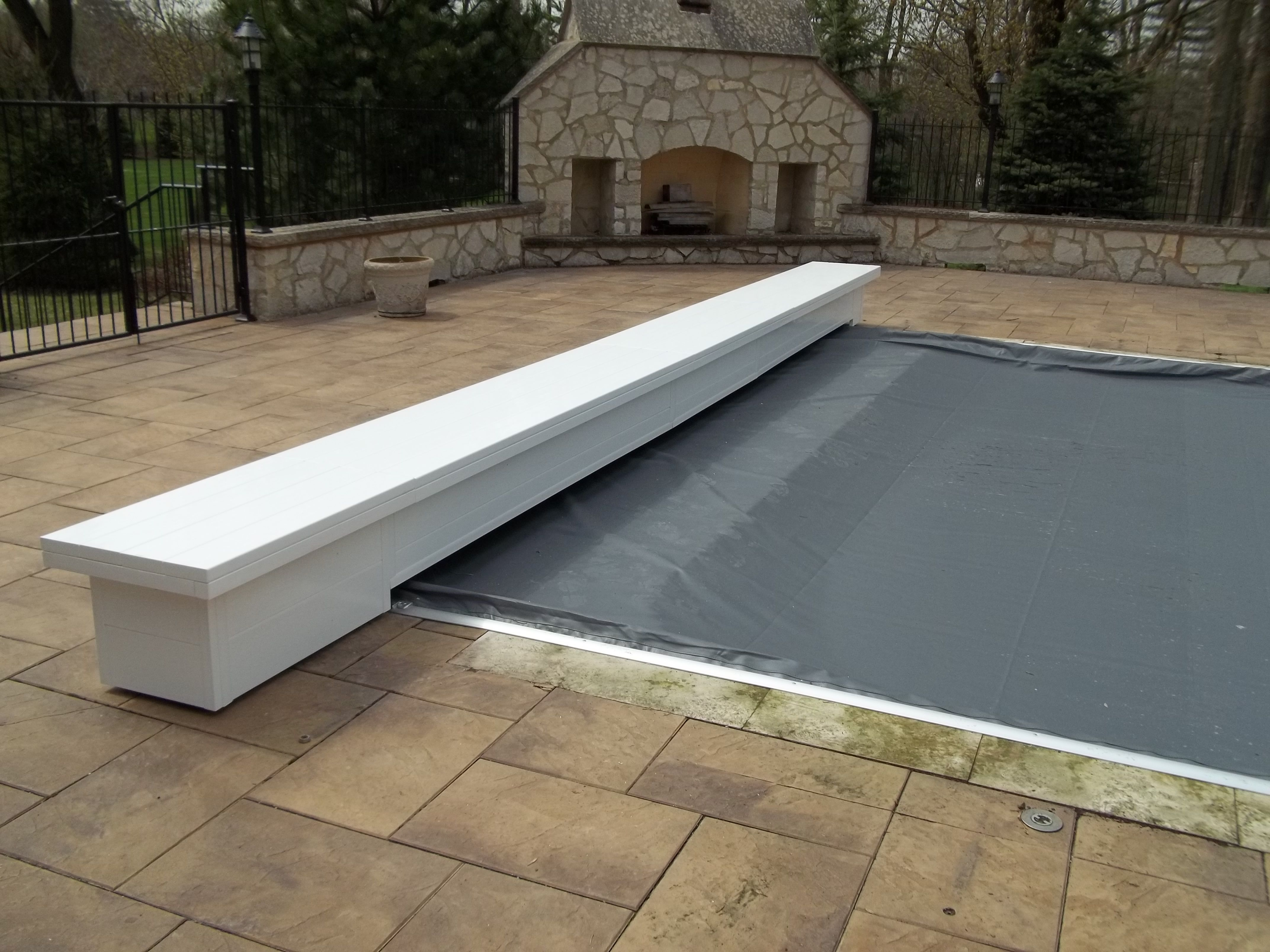Top Track Deck Mount Electric Automatic Pool Cover With Carriages