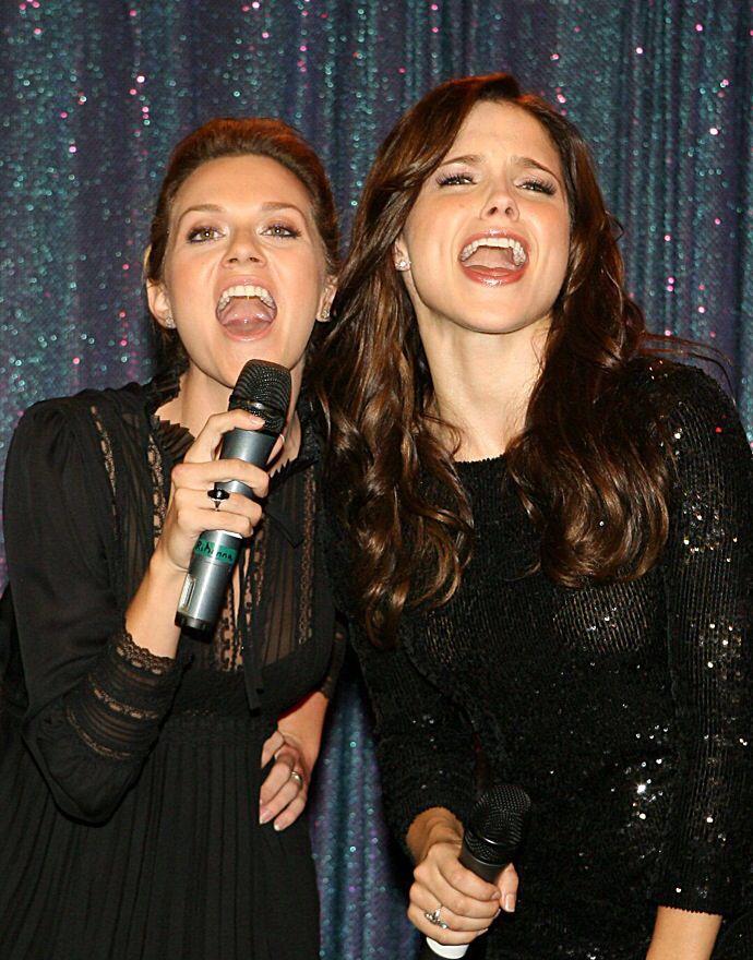 One Tree Hill - Hilarie Burton & Sophia Bush   One Tree ...  One Tree Hill -...