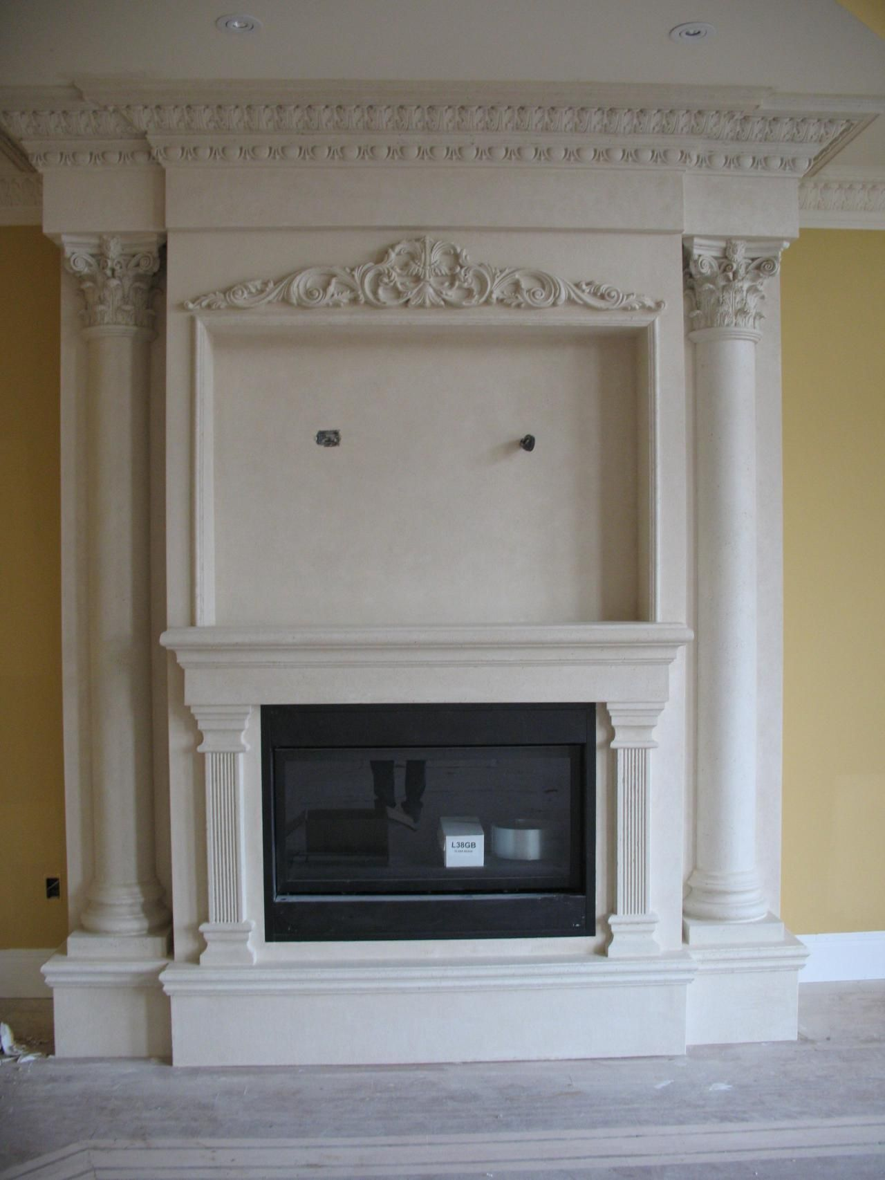 Fireplace Don T Want One That Ornate But I Like The Framing For