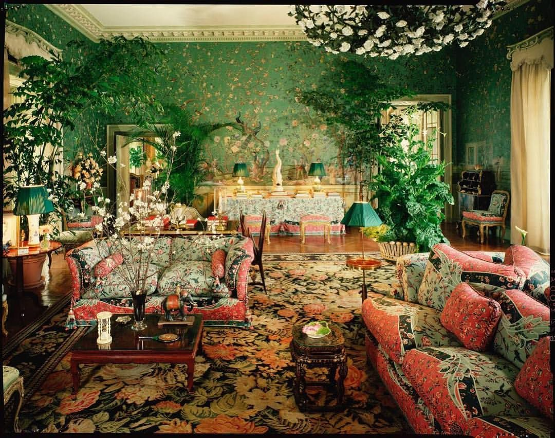A view of Jayne and Charles Wrightsman\'s grand salon in Palm Beach ...