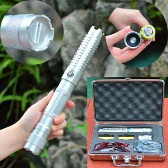 ( http://www.laserfr.com/acheter-pointeur-laser-vert-30000mw.html ) Ce pointeur  laser vert 30000mW 532nm est l'un des le plus puissant et lumineux vert ...