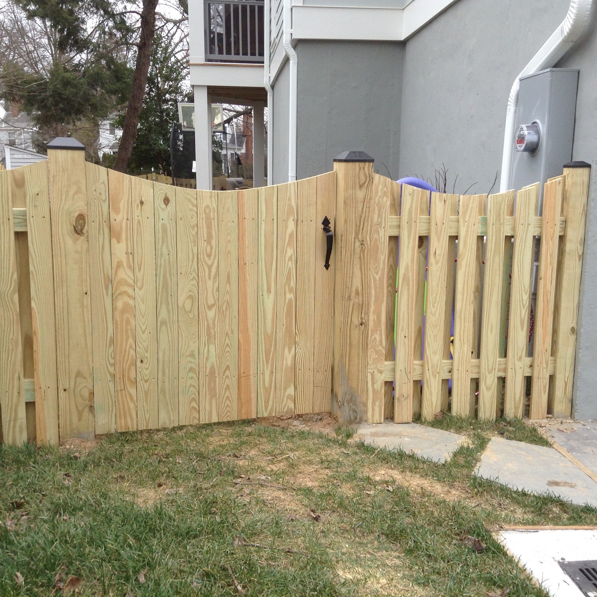Board On Board Wood Fence With Gate Wood Gate Ideas Scalloped