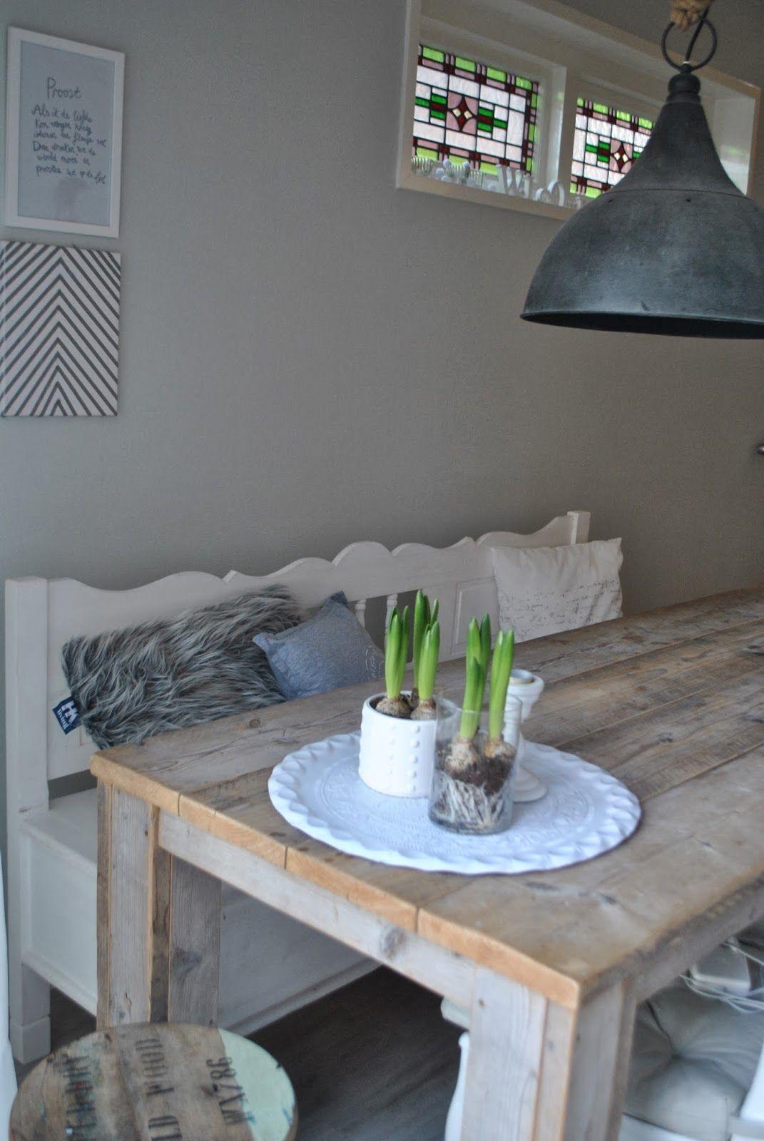 Houten tafel en witte klepbank kitchen inspiration pinterest eethoek eetkamer en eettafel - Keuken witte tafel ...