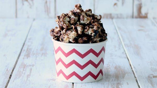 Yummy, easy, crispy Nutella popcorn!