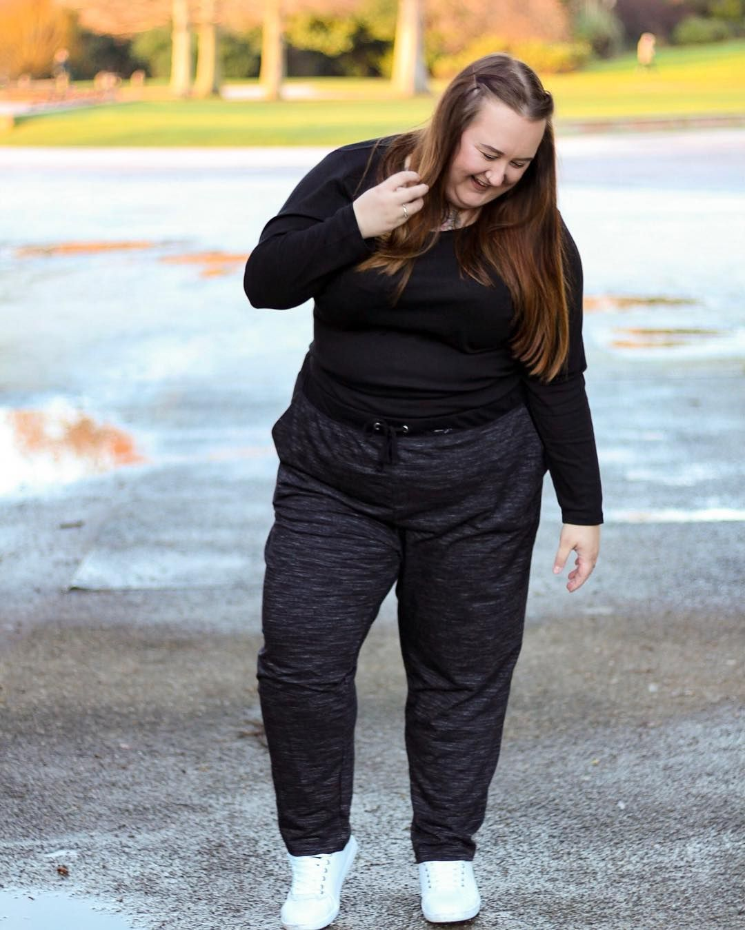 A C T I V E These @evansclothing joggers are the height of comfort and I just love how effortlessly cool they are too! Never has nipping to the shops to get snacks looked so chic