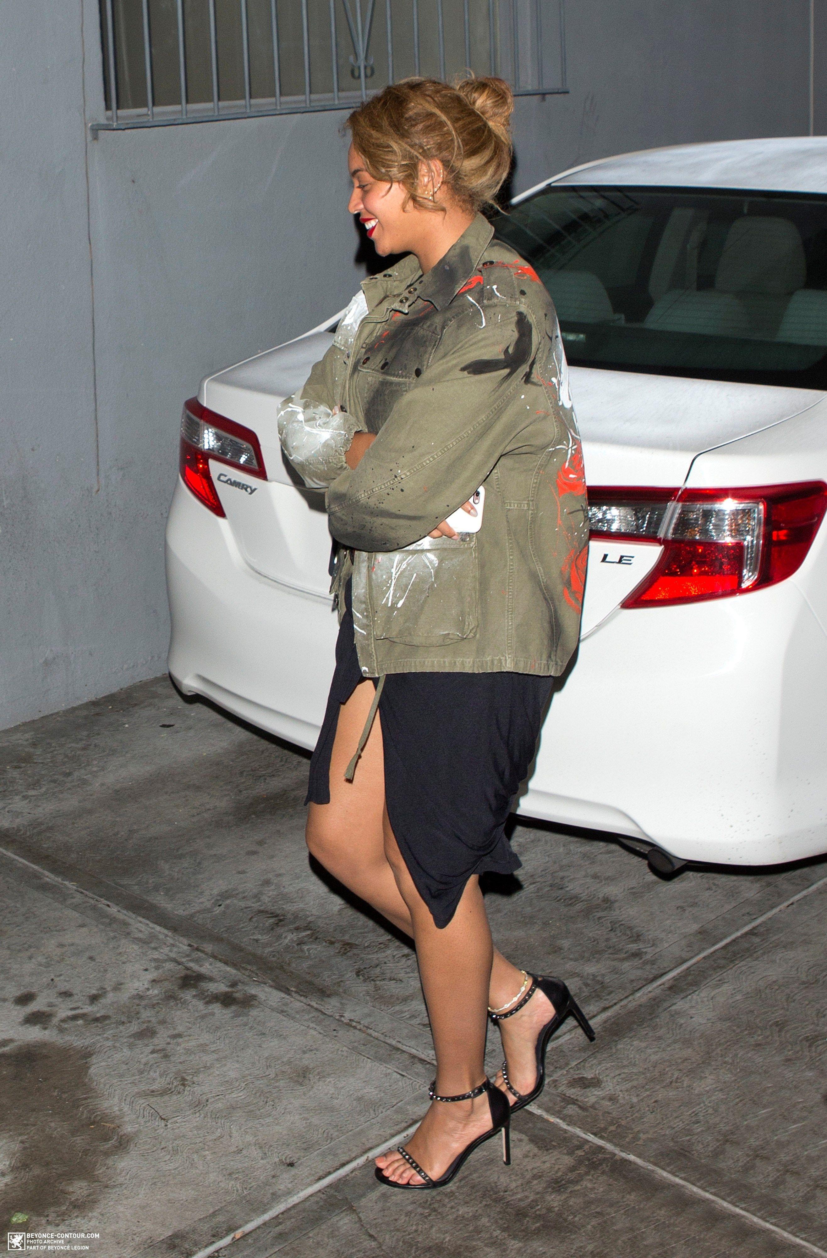 Beyoncé Leaving Son Of A Gun Restaurant In LA 10.01.2016