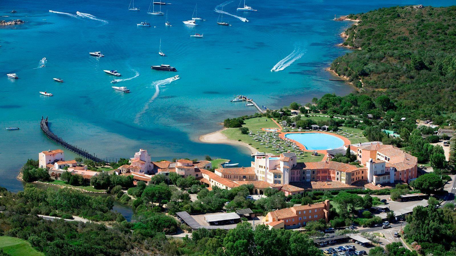 Luxury Holiday in Sardinia | Vacanza, Hotel, Costa