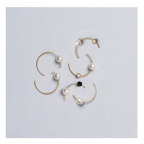 Lia Di Gregorio's iconic rings seen by photographer Carlo Lavatori. @carlolavatori
