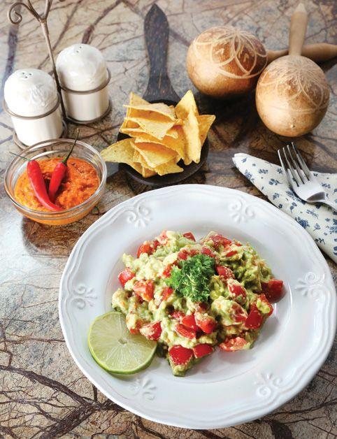 GUACAMOLE (avokáda, cherry paradajky, limetka...)