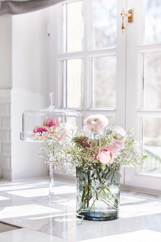 Stworz Romantyczna Atmosfere Kliknij W Zdjecie Aby Odkryc Najlepsze Prezenty Dla Twoich Ukochanych Na Walentynki Kwiaty Bukiet Pre Glass Vase Glass Vase