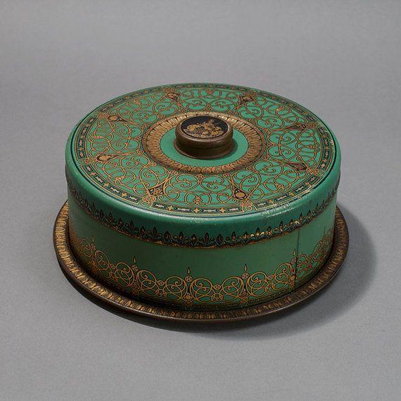 Vintage Green Cake Saver, Cake Carrier, Round Tin
