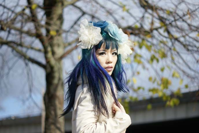 Japaneses goth-kawaii makeup tutorial! How to get blue-purple ombre dyed hair, gyaru eye makeup, and La Carmina's favorite cosmetics. http://www.lacarmina.com/blog/2014/05/gothic-makeup-products-tips-model/  outdoors portraits, modeling