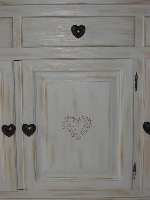 Peindre des meubles bois vernis conseils d coration poncer for Peinture pour meuble ancien