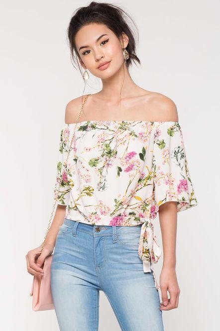 8d96b4e0f8984 Violetta Floral Off Shoulder Top
