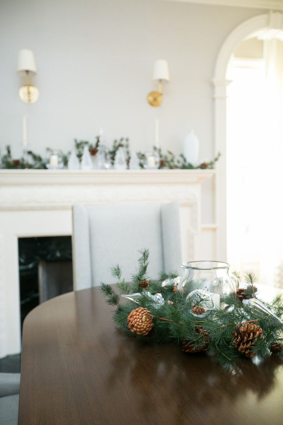 Decorate your Dining Room for Christmas - Fashionable Hostess