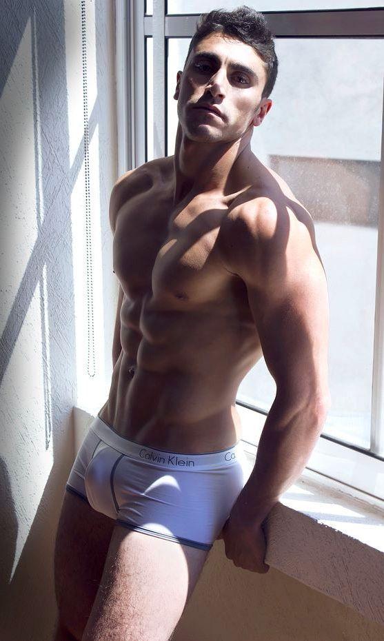 Hombres del gimnasio más fuertes y más marcados - Músculos - Blog ...