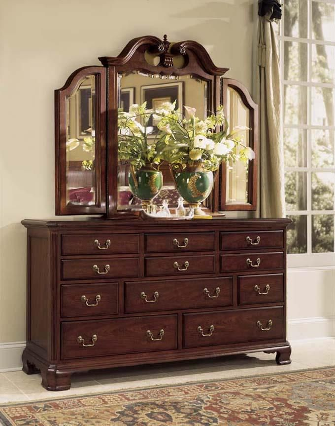 Cherry Grove 45th Tri Fold Mirror And Triple Dresser In
