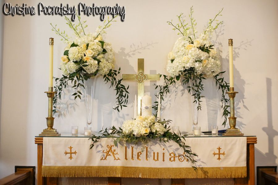 Simple church altar decorated in white roses peonies for for Church wedding altar decoration ideas