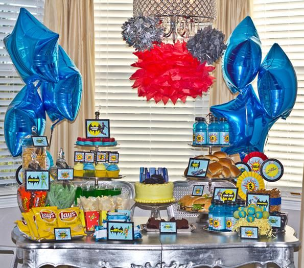 Batman Super Hero Party!--Party details under the pictures (links to etsy stores where she sells the stuff.)