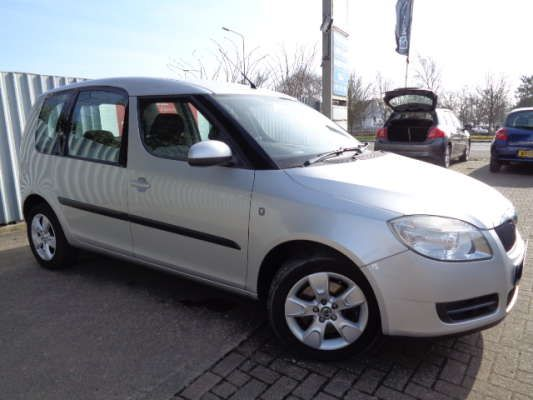 Used 2007 07 Reg Silver Skoda Roomster 1 9 Tdi Pd 2 5dr For Sale
