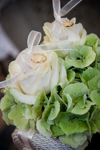 Cuscini Freschi.Portafedi Floreale Decorazioni Nuziali Idee Per Matrimoni