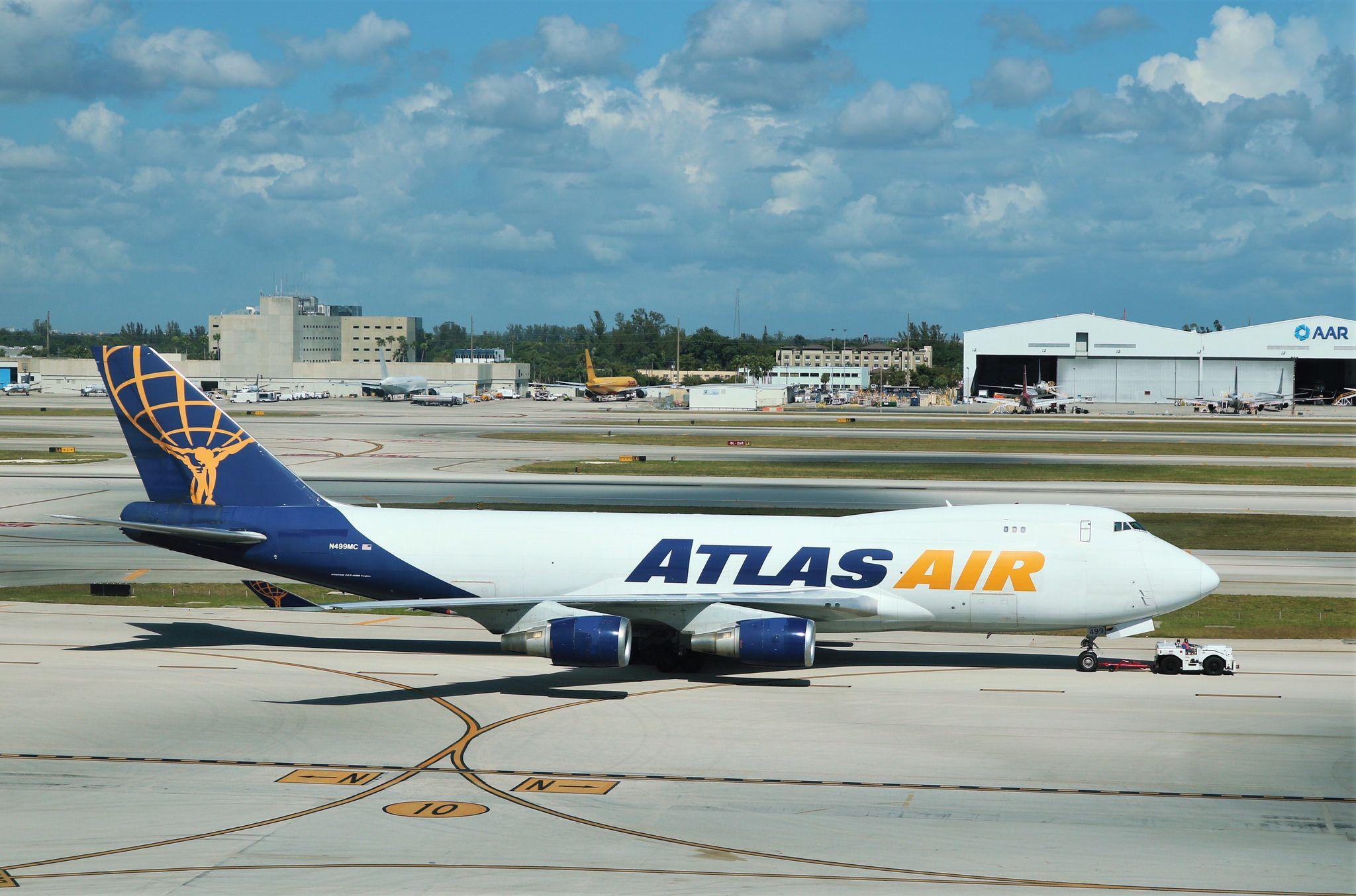 Atlas Air 747 Atlas air, Boeing aircraft, Aircraft photos
