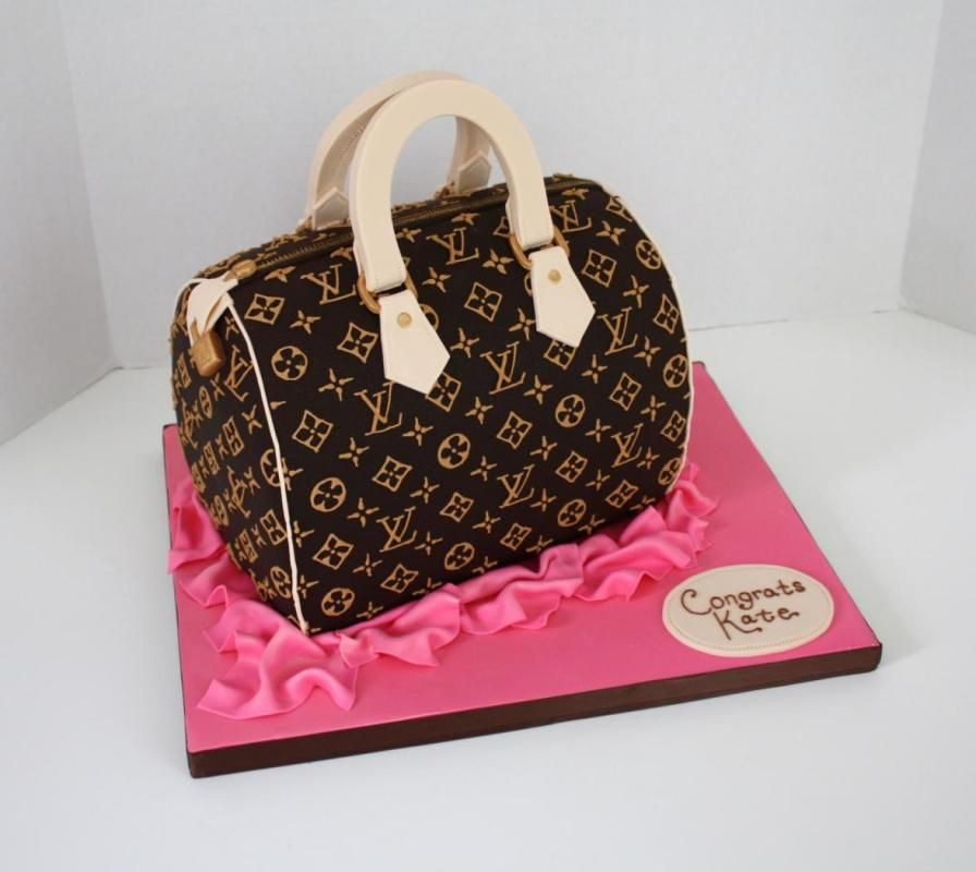 Cake Shaped Like Purse Equals Perfect Centerpiece