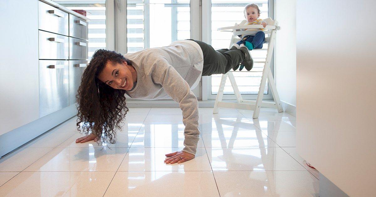 Shakira Akabusi dá conselhos sobre como conjugar a maternidade e o exercício físico de forma inteligente e criativa, enquanto veste activewear da C&A.