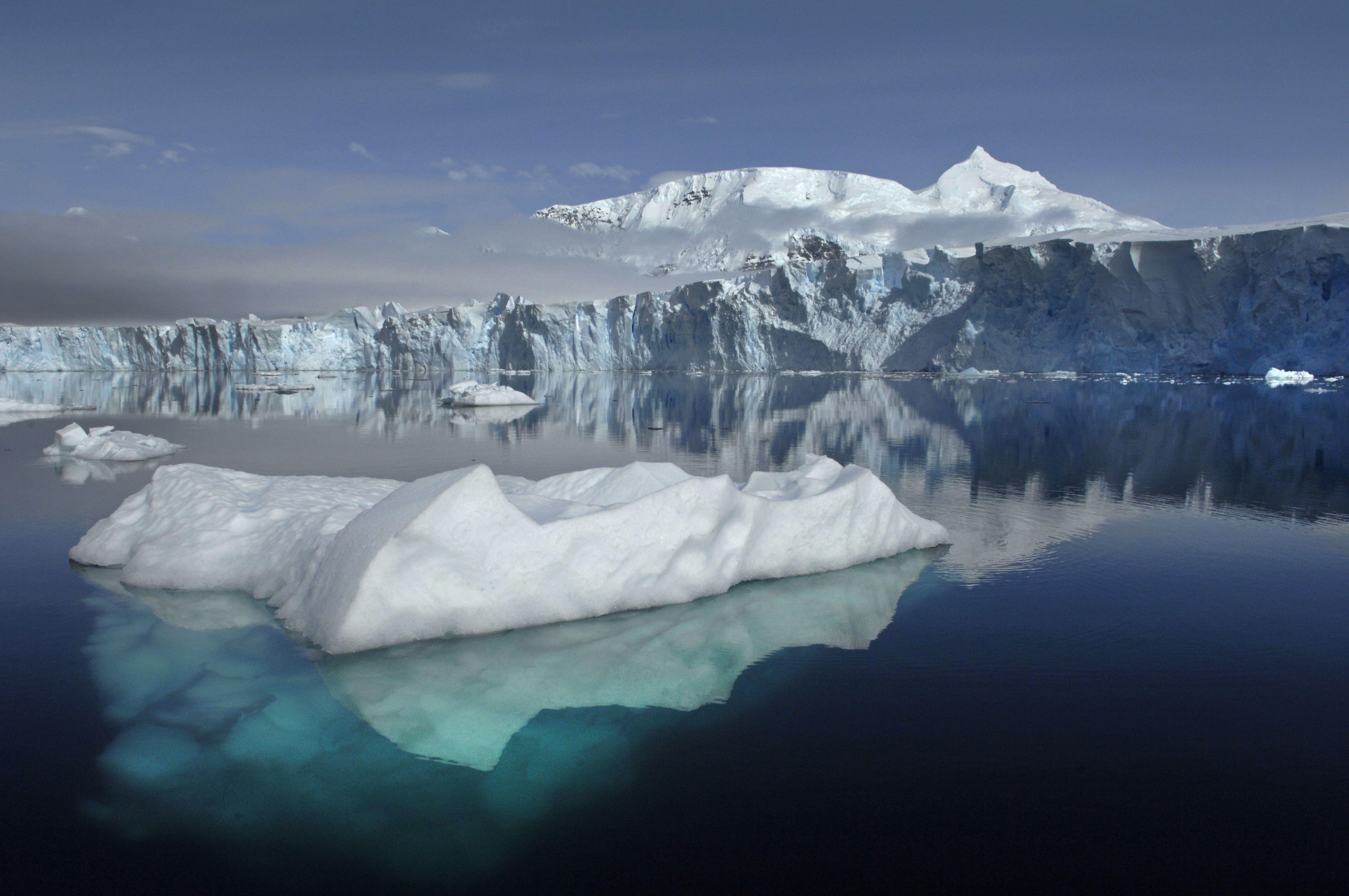glaciar Sheldon en la Antártida