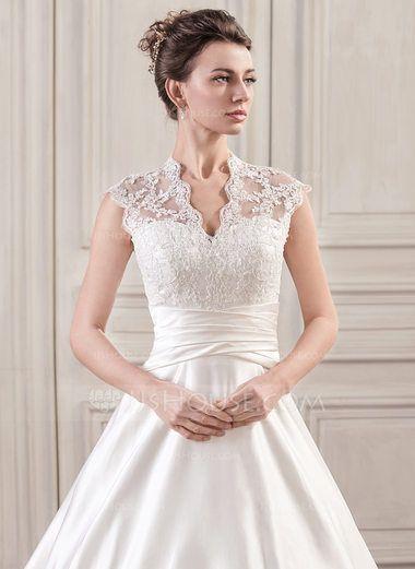 Forme Marquise Col V Traîne moyenne Satiné Dentelle Robe de mariée avec Plissé (002059189) - JJsHouse