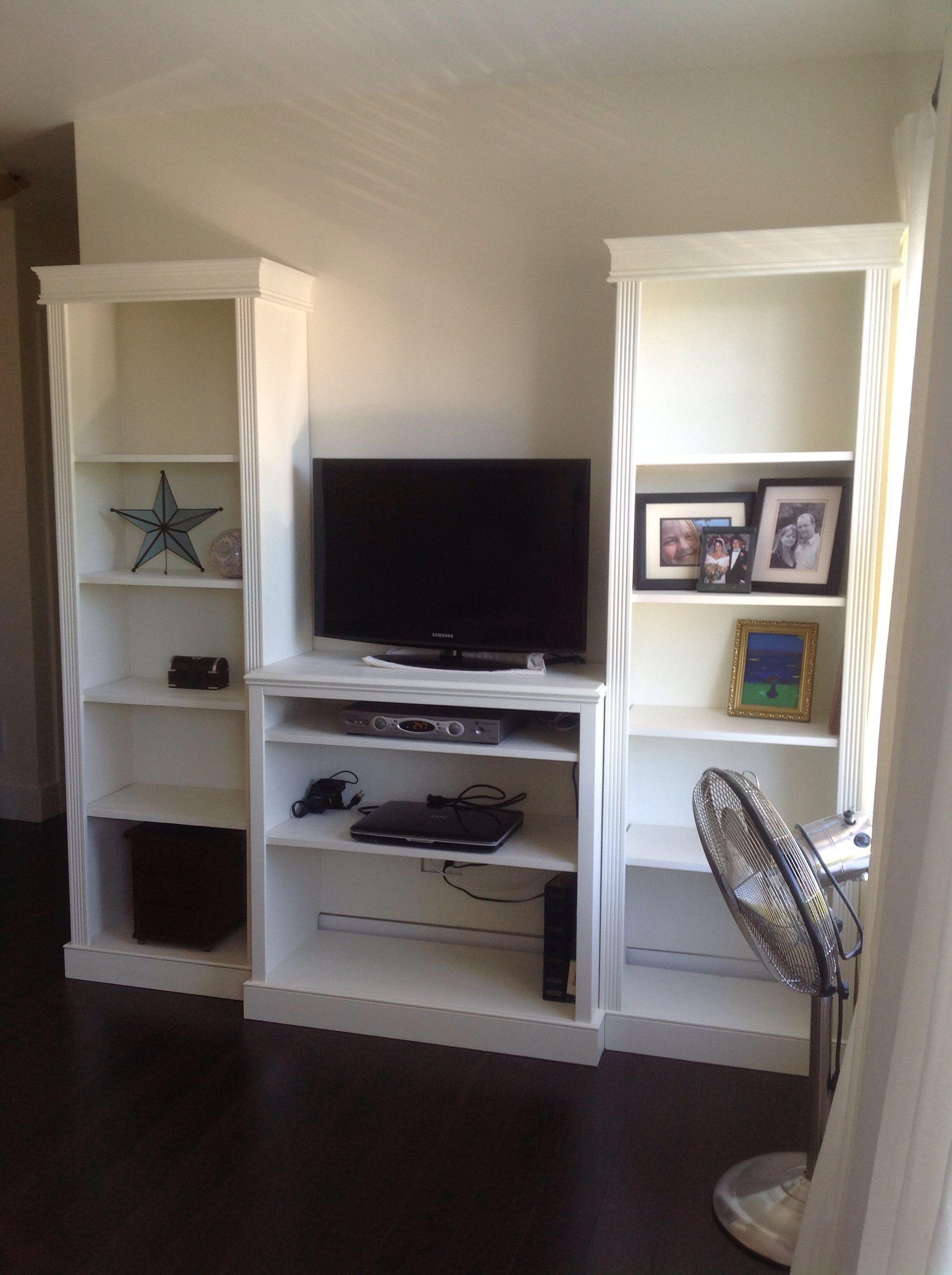 DIY bookshelves and TV stand for bedroom Meme Pinterest