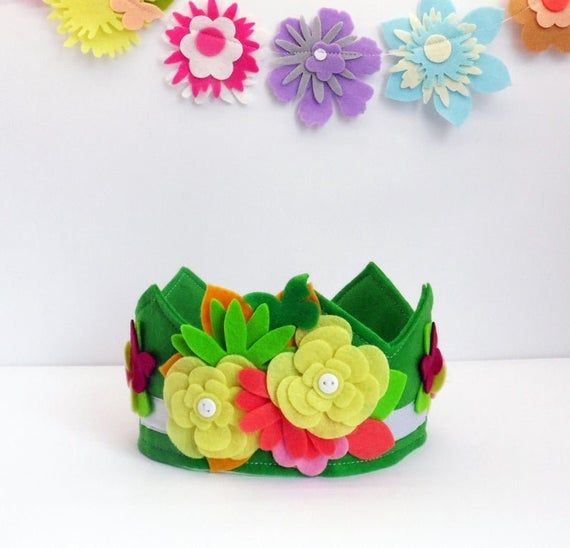 Felt birthday crown with flowers, hat for birthday party, floral crown headband