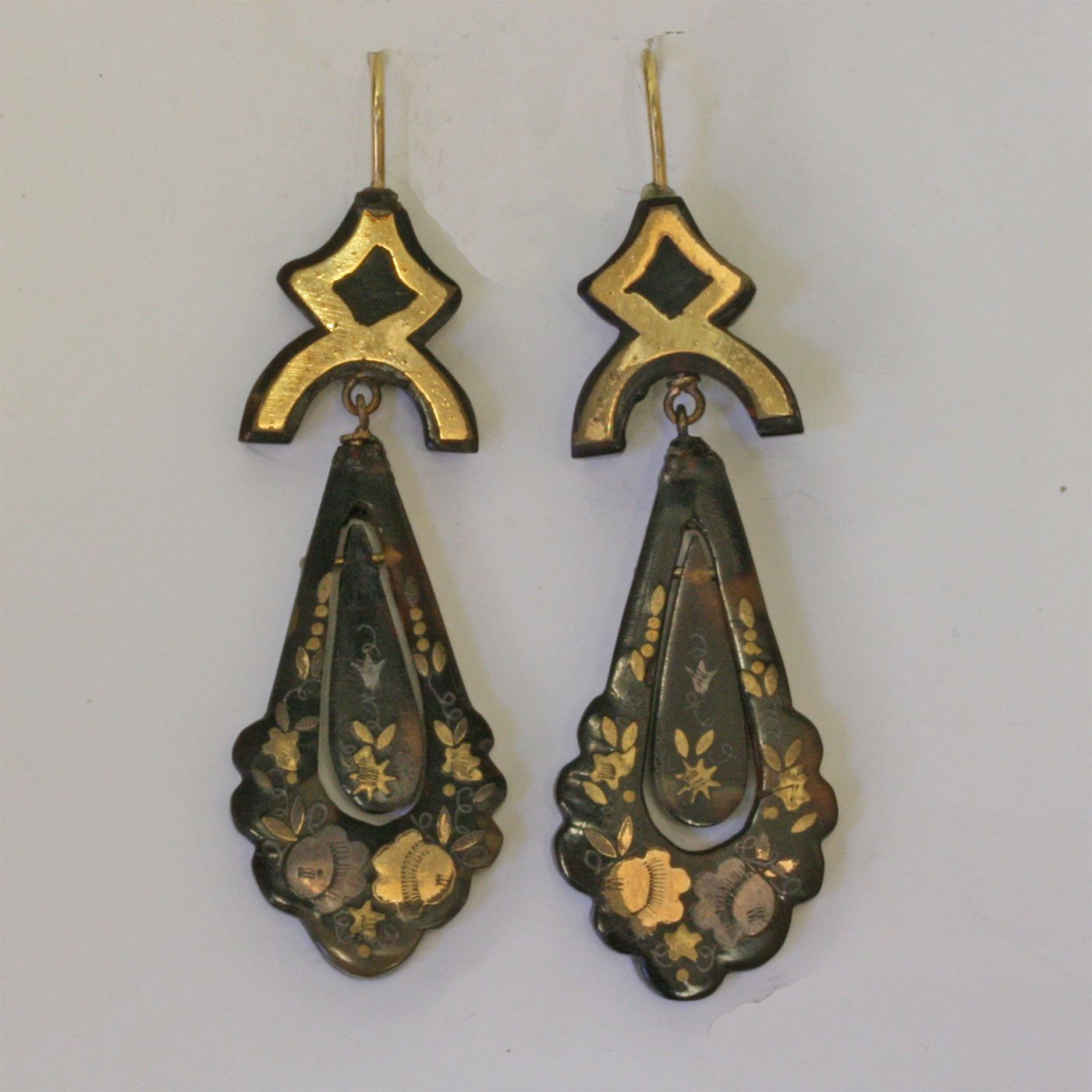 Buy Victorian pique drop earrings from KalmarAntiques. We are one of the top antique jewellery provider from Sydney providing Antique, Antique Earrings, Pique Jewellery. Call us on 02 9264 3663 for more information.
