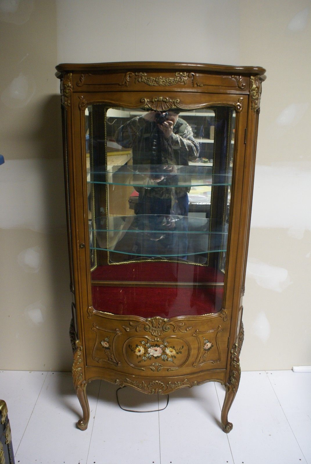 Vintage / Antique Lighted Curved Glass Curio Cabinet - Vintage / Antique Lighted Curved Glass Curio Cabinet Furniture In