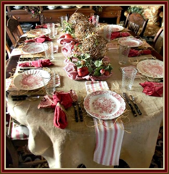 Country table setting ~ For the Holidays Love the burlap table cloth & English Country Christmas Decorating | Country Style Rustic ...