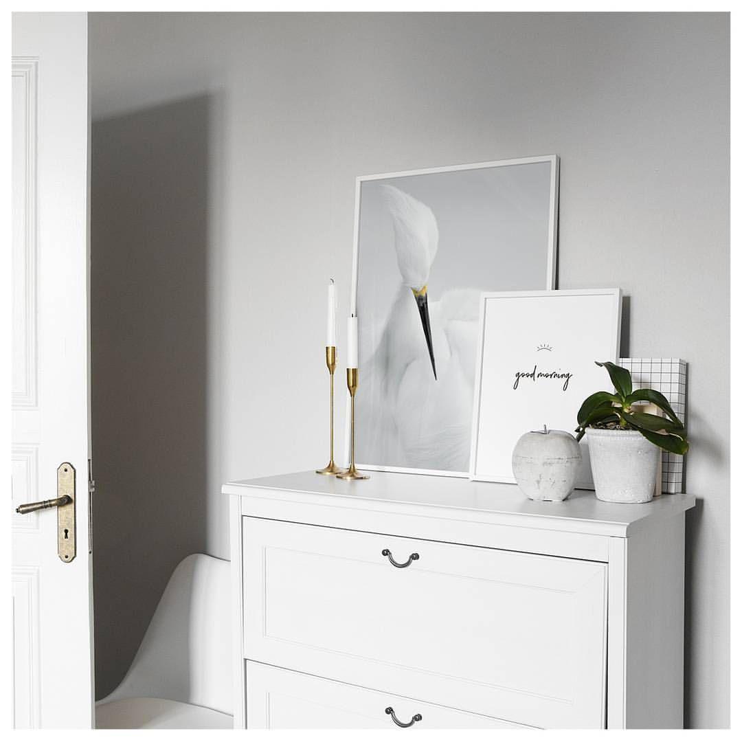 Gefallt 2 937 Mal 13 Kommentare Desenio Desenio Auf Instagram The Easiest Way To Get That Homey Feeling In Your Bedroom Bedroom Decor Decor Home Decor