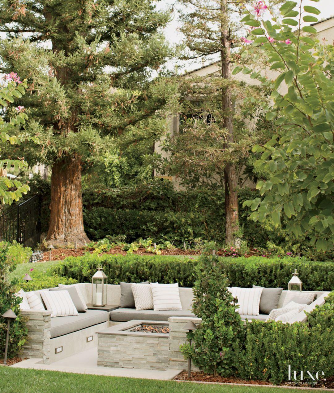 Garden Seating Ideas For Your Outdoor Living Room: Contemporary Backyard Landscape