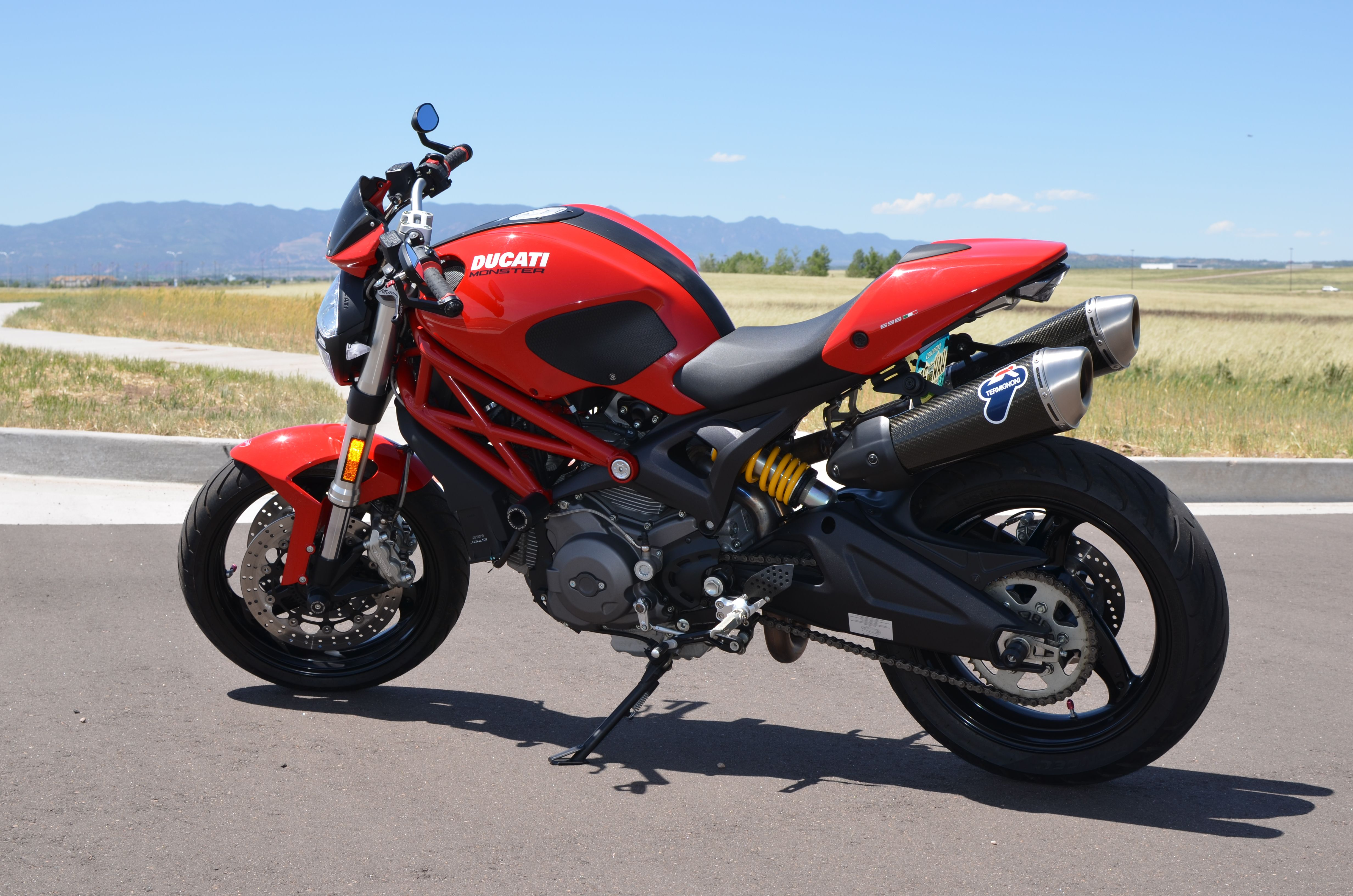 2012 ducati monster 696 - modded with termignoni carbon canisters