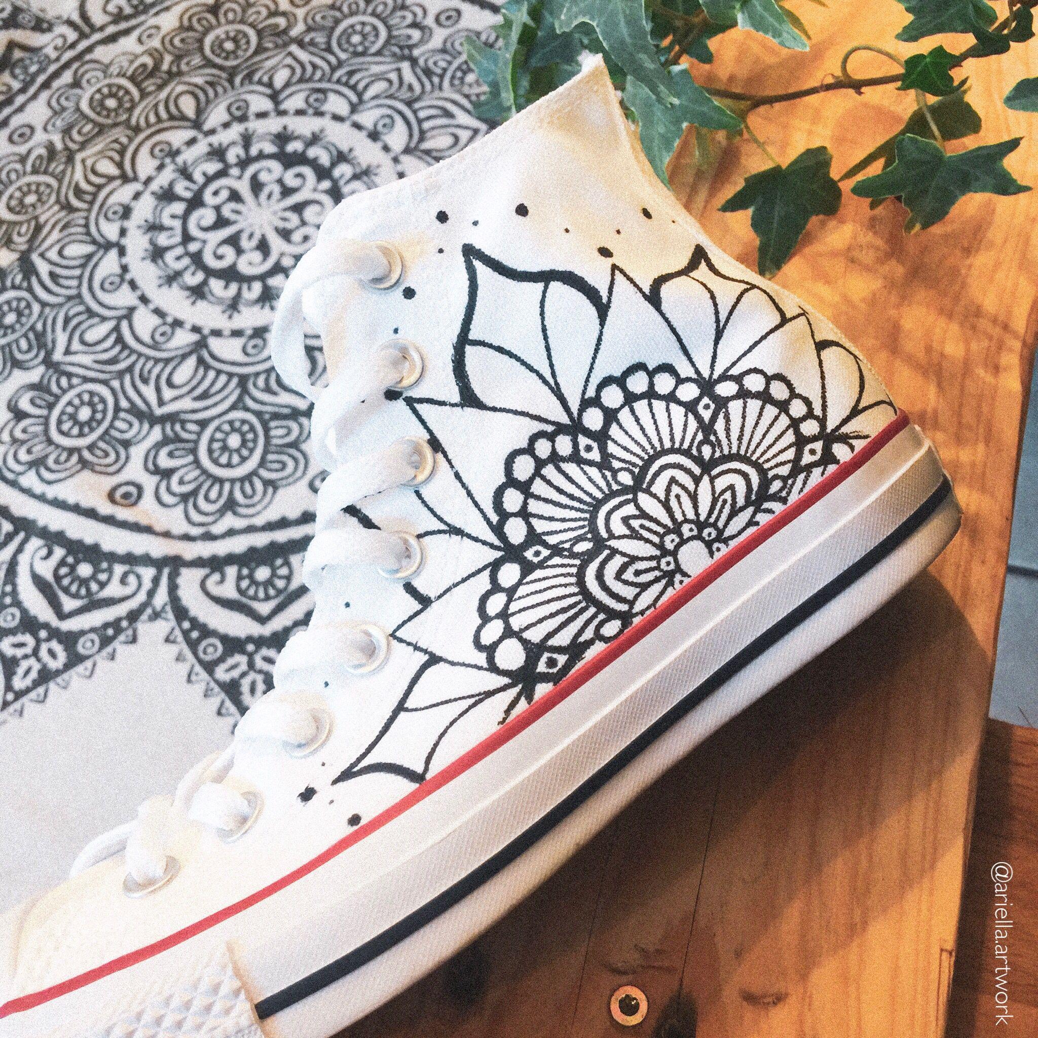 Customized Chucks Mandala Vans Personalizadas Notas De Violao Violao Customizado
