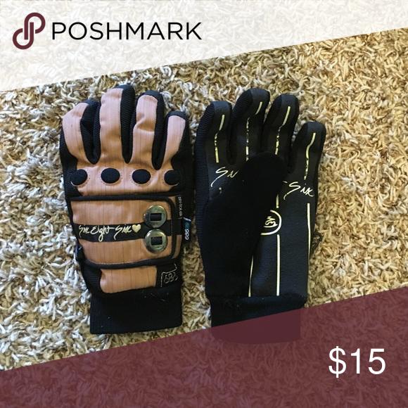 686 Womens Snowboard Gloves