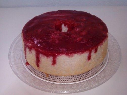 Angel Food Cake con coulis de fresa. para #Mycook http://www.mycook.es/receta/angel-food-cake-con-coulis-de-fresa/