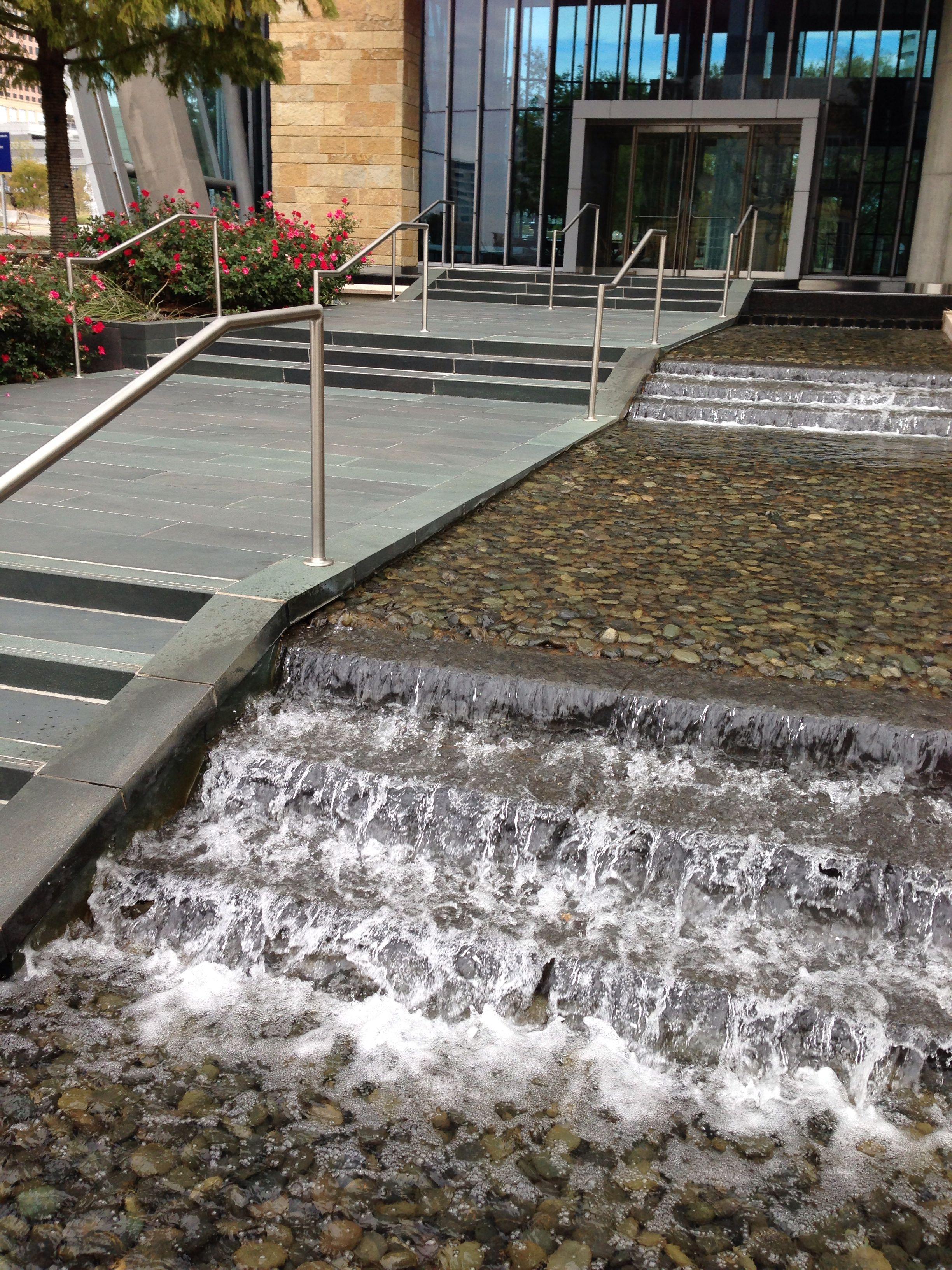 Dallas Water Company >> Hunt Oil Company Fountain Dallas Texas Designed By The Beck Group