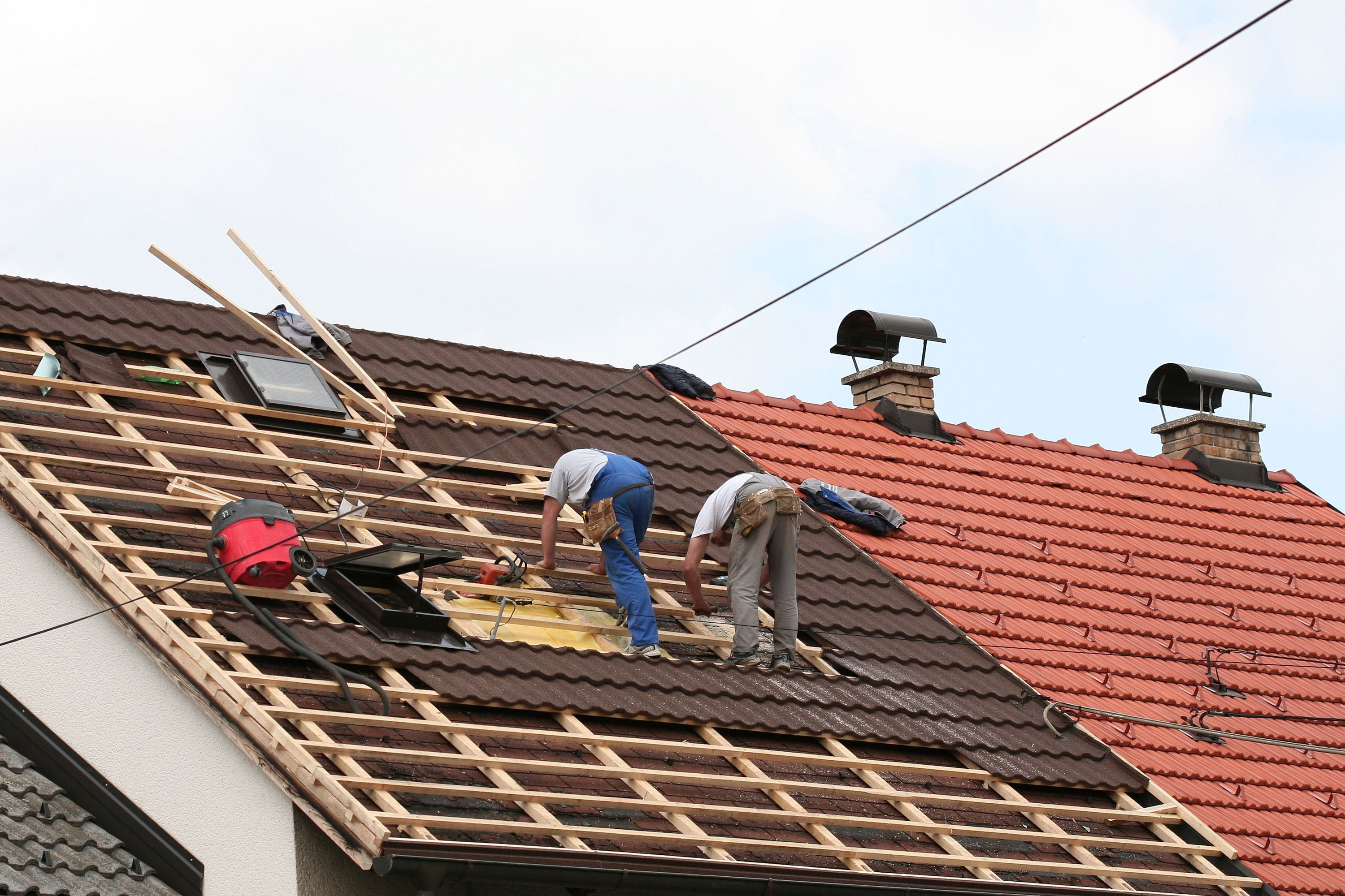 Replace shingles on roof - Roof Repairing Is Not An Easy Task To Do It Needs A Professional Or A
