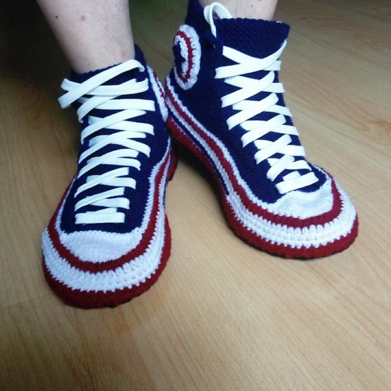 33889395d46a02 Crochet Converse slippers man Knitted converse Knitted gift for boyfriend  Socks with sole House knit