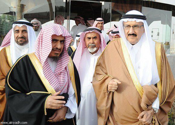 منصور بن متعب يزور عددا من المواطنين في محافظة الزلفي شبكة سما الزلفي Fashion Dresses Academic Dress