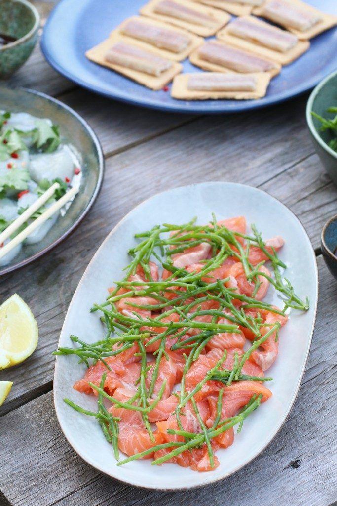 Healthy dinner, Glutenfree dinner, Raw salmon, Salmon sashimi, Salmon dinner, Healthy dinner, Fish dinner, Fish and soy, Zeekraal, Healthy salad, Healthy salad seaweed, Rauwe zalm met zeekraal en sojadip, Beaufood recepten, Rauwe zalm recepten, Snelle en gezonde recepten, Gerechten voor bij barbecue, Zeekraal gezond, Glutenvrije foodblogs, Ceviche van coquille