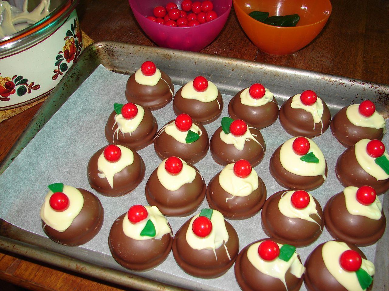 Christmas baking   Chocolate christmas cookies, Christmas baking ...