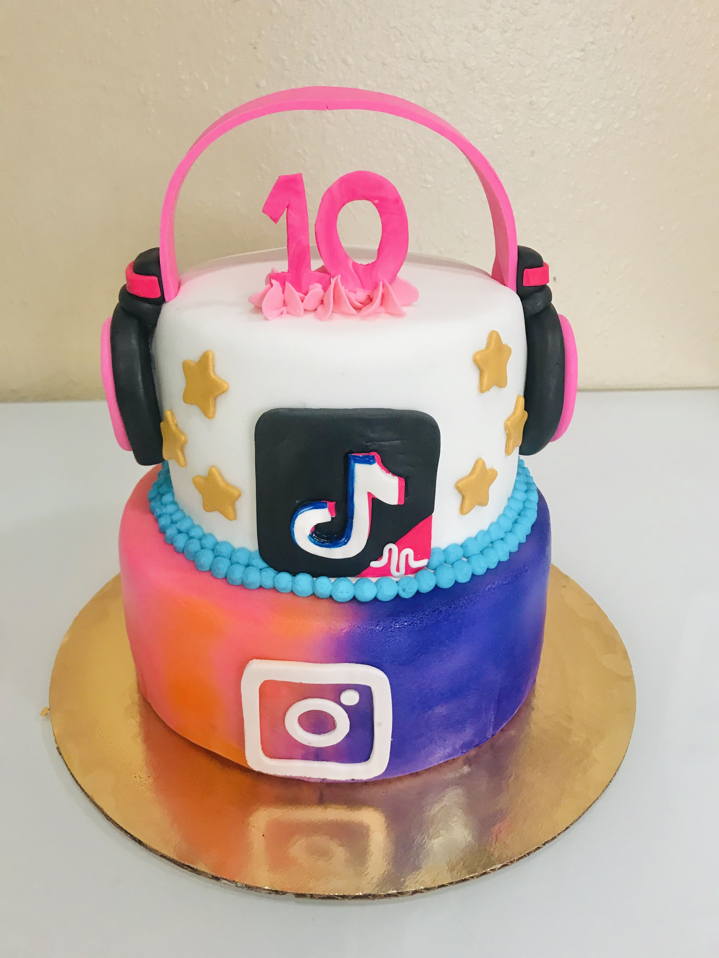 Tik Tok And Instagram Cake 14th Birthday Cakes Unique Birthday Cakes Cake