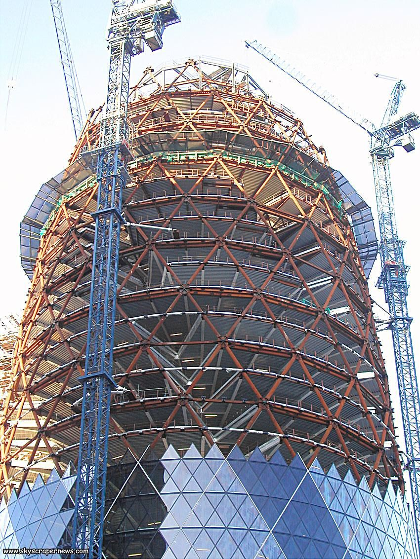 Gherkin london construction civil engineering for Norman foster strutture