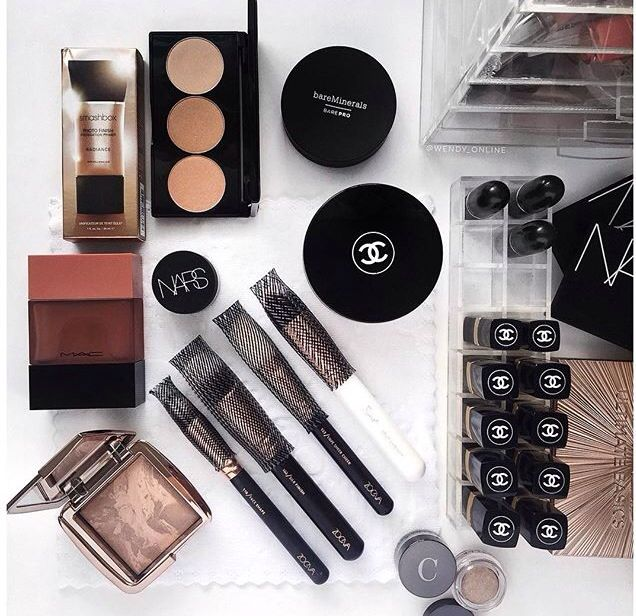 Get The App Mercari For High End Makeup For A Discount Free Just Use The Code Gweubp When You Sign Up To Get 2 In Credit Maquiagem